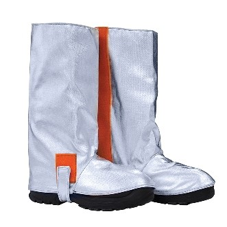 Approach boots, Velcro closure on the inside, button and Velcro for the sole, certified EN 11612:2009