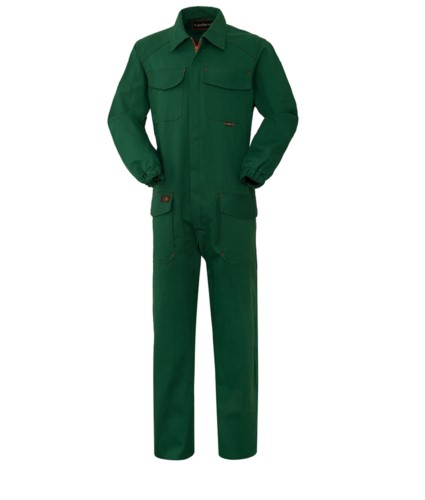 Fireproof coverall, central closure, two pockets and two pockets, green color. EN 11611, EN 11612:2009 certified