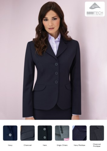 Elegant uniform jacket in polyester and wool with stain-resistant fabric treatment.
