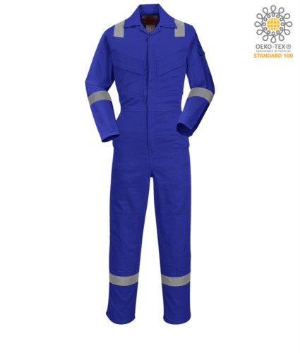Antistatic overalls, light fire retardant, adjustable cuff with velcro, sleeve and knee pocket, reflective band on the bottom of the leg, sleeves and shoulders, certified 89/686/EE Colour: Royal Blue.